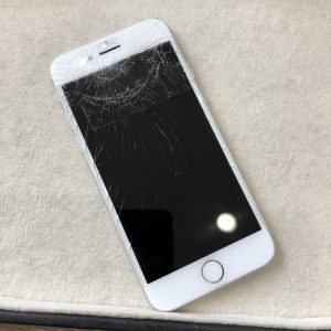 iPhone7ガラス割れ