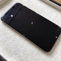 iPhoneXSガラス割れ